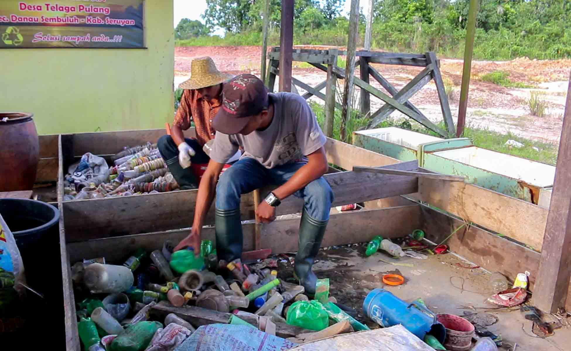 Rimba Raya   Recycle Bank Initiative